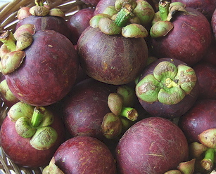whole_mangosteen_fruits.jpg